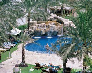 Пятизвездочный отель Dubai Marine Beach Resort & Spa
